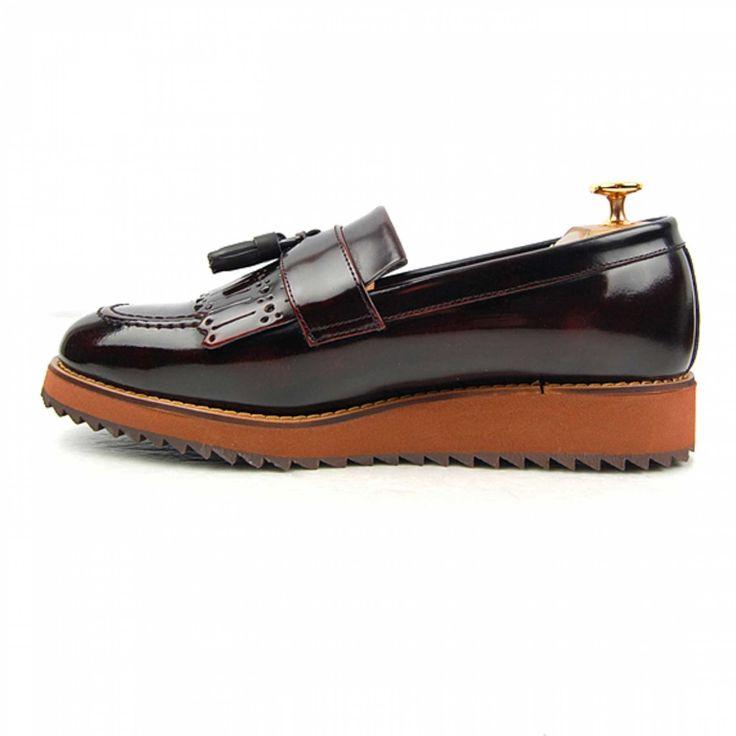 H3THECLASSIC loafer shoes  man fashion #h3theclassicl#handmadeshoes#shoes#madeinkorea#instashoes#classic#menshoes#oxford#h3theclassic#fashion#custom#handmade#mensshoes#instashoe#손신발#에이치쓰리더클래식#수제화#남성수제화#남자수제화#커스텀#남자구두#핸드메이드#신스타그램#맞춤#클리퍼#남성클리퍼#남자로퍼#맞춤클리퍼#fashionaddict#dailystyle#instafashion#ootd#ootdmagazine#lookbook#streetchic#데일리룩#LO-4311WIA