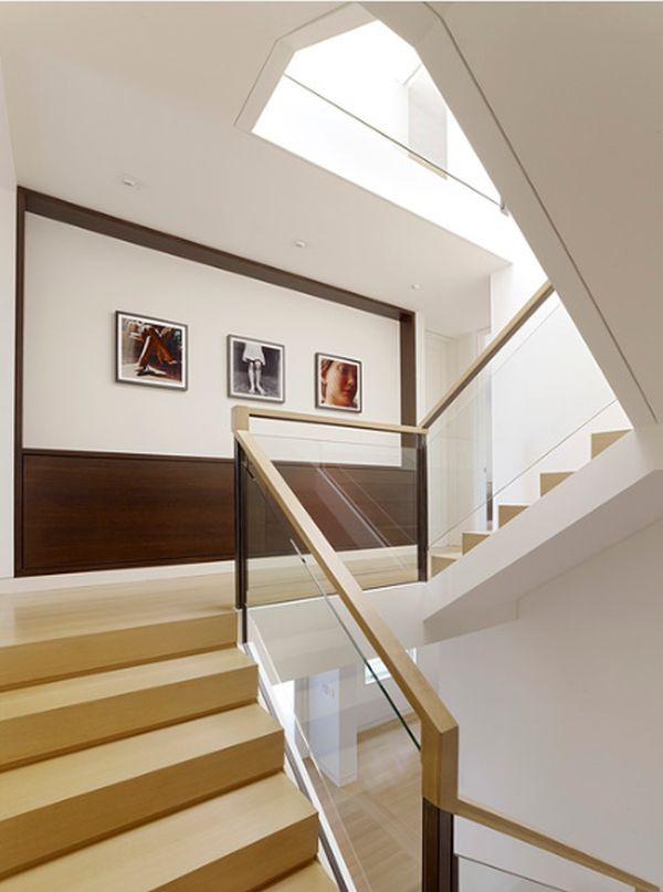 Lovely How To Maximize A Staircase Wall Nice Design