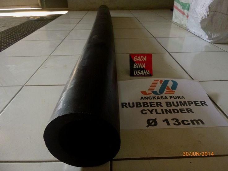 Rubber Fender Type Cylinder merupakan salah satu Jenis Rubber Fender yang paling banyak dipergunakan.  Memiliki gaya reaksi & penyerapan energi yang lebih tinggi,  dan biasa digunakan pada Frame Dermaga (Harbour Frame)  dan Kapal - kapal berukuran lebih kecil dikarenakan lebar ke bawah.  Penggunaan Rubber Fender Cylinder  pada kapal berfungsi juga sebagai pelindung pada bagian lambung kapal. Selain itu Rubber Fender Type Cylinder juga dapat di aplikasikan untuk  penggunaan sebagai Rubber…
