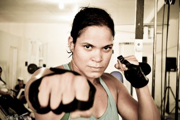 Amanda Nunes Defeats Valentina Shevchenko By Decision At UFC 196