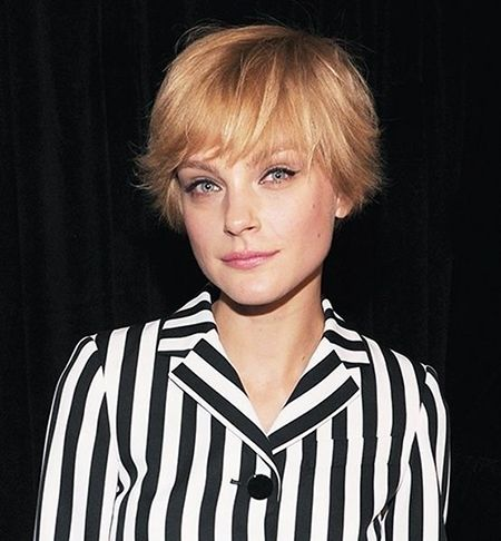 Super Short Bob Hairdo with Short Bangs