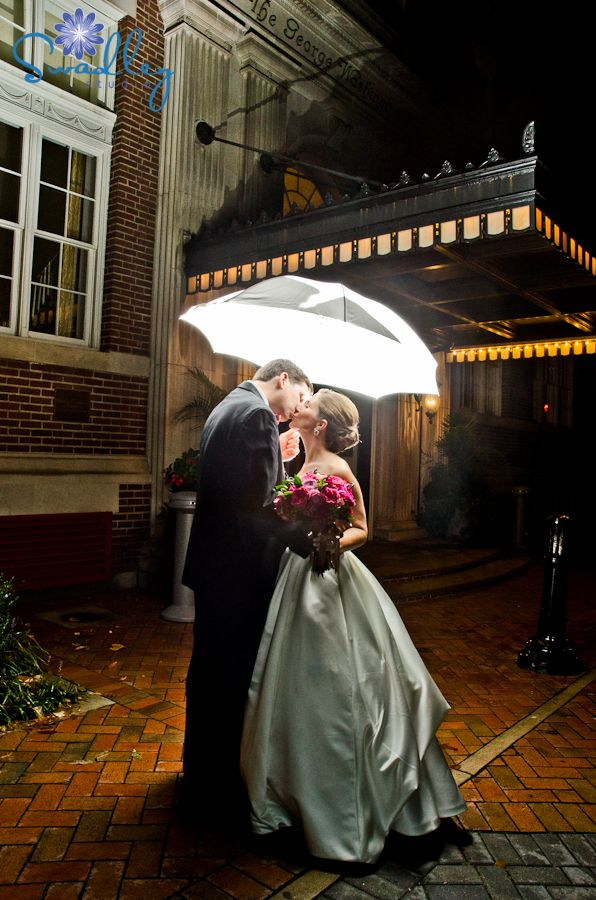 Swadley Studio Rainy Day Weddings Museum Of The Shenandoah Valley George Washington Hotel Winchester