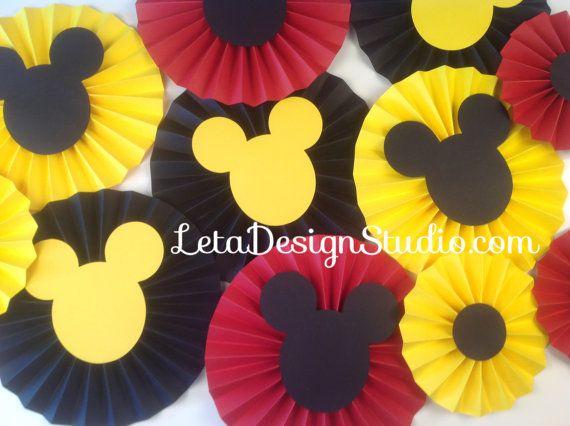 11pc Mickey Mouse rosettes Paper Rosettes par letadesignstudio