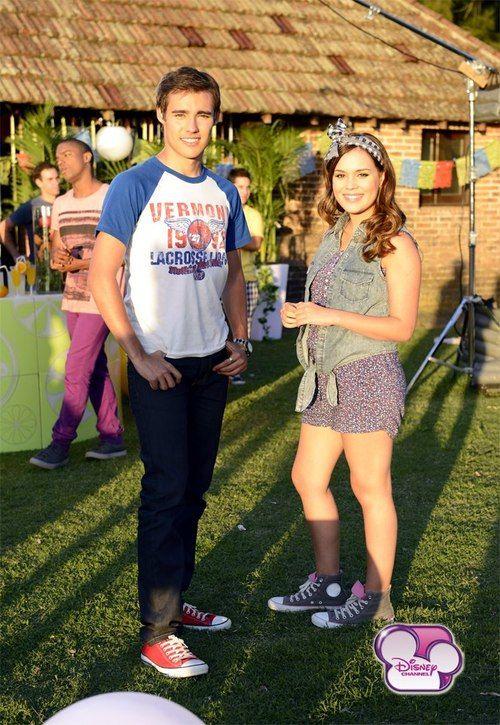 Valeria(Lara)  y Jorge(Leon)
