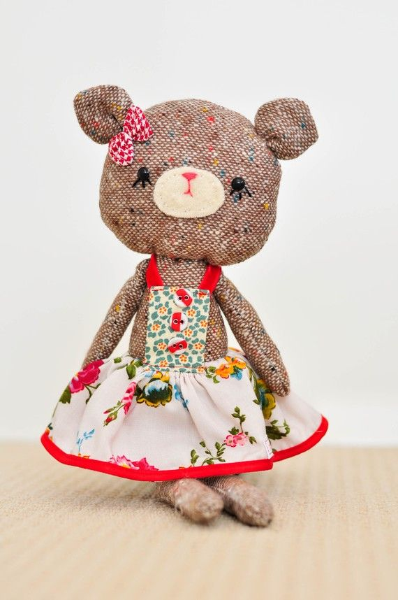 cute bear made with tweed - great way to recycle out of date jacket or skirt that doesn't fit