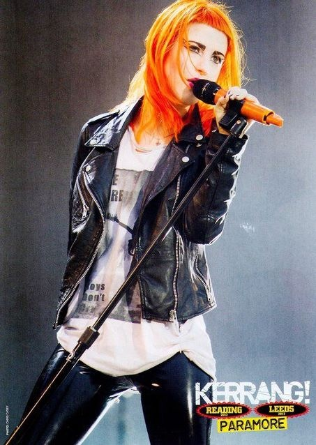 I was totally at the concert and her outfit was incredible... Hayley Williams. ~ I would love to go to one of her concerts!