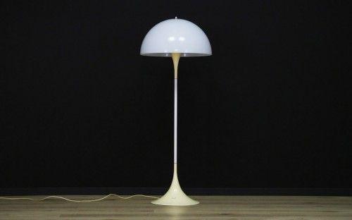 nuko.eu  Originelle Stehlampe der 60/70er Jahre. Minimalistische Form von einem führenden dänischen...