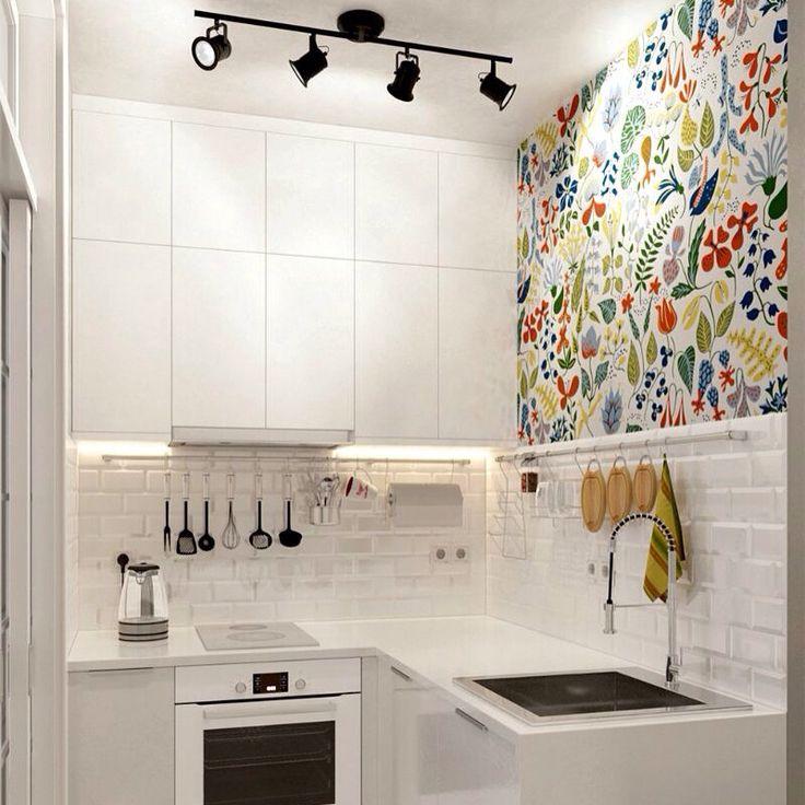 Мои любимые обои - использовала их тоже в интерьере кухни, тоже на одной стене, и кухонные фасады тоже белые. Сплошные совпадения? Или может быть это обои диктуют интерьер?