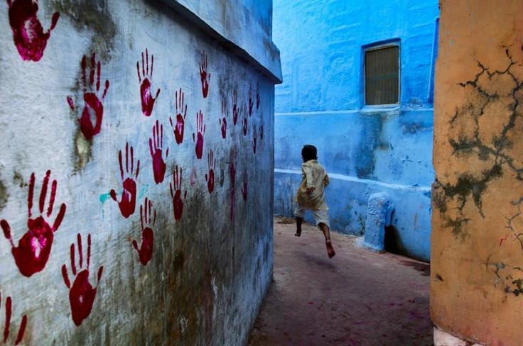 © Steve McCurry / Magnum Photos - Vanitatis: Photos, Art Photography, National Geographic, Color, Great Shots, Art Prints, Boys, India, Steve Mccurry
