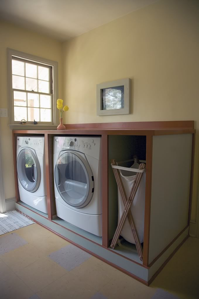 I don't drool much over laundry rooms... But I love the clean, simple lines of this one. I'd take it.