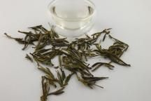 Huoshan Gele Thee, Deze thee ziet er helder geel uit. Heerlijke kastanje achtige tonen, zacht met karakter http://tea-adventure.nl/gele-thee/huo-mountain