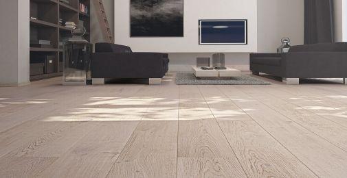 DĄB TENDER -Szeroka, jednopasmowa podłoga dębowa w odcieniach bieli, wykończona olejem naturalnym. Struktura drewna podkreślona szczotkowaniem. Dwustronne fazowanie optycznie wydłuża deskę i podkreśla jej naturalny wygląd.