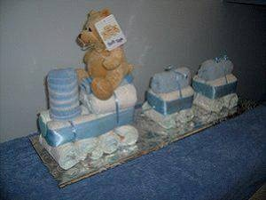 A train diaper cake, easy to make. Try it.