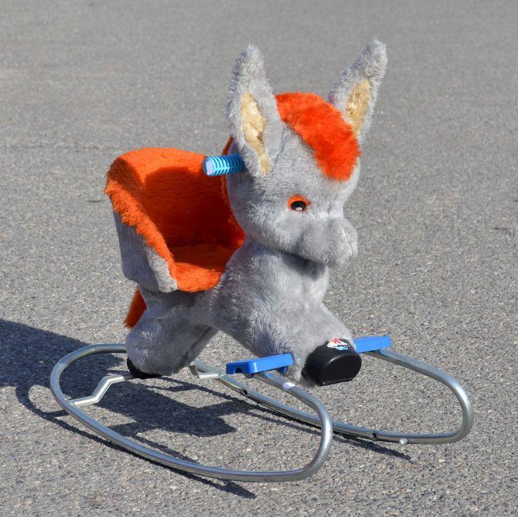 Horsey vintage or not toys sophie la girafe loved when for Garage moirans en montagne