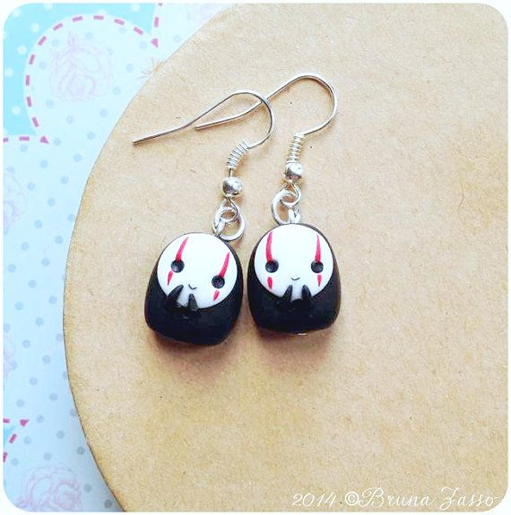 Sweet Earrings With No-Face ☆ (^. ^)  Made entirely by hand. Beadworks and non-allergic metal. The faceless ones measuring 2 cm approximately.