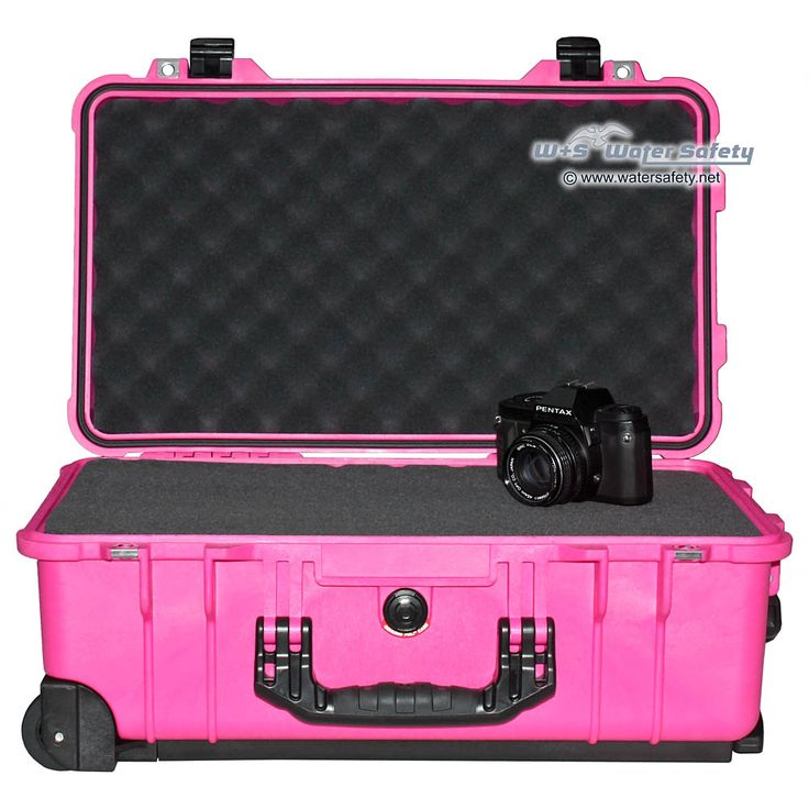 Very rare! Peli goes PINK with this special edition of the 1510 Carry-On-Case :-)