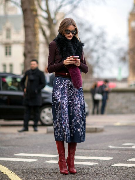 Nice winter outfit. The colors are great! And the skirt is amazing! | Fall outfit ideas for women | Purple fashion inspiration