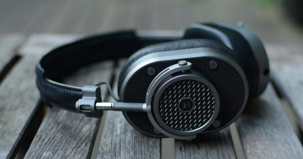 GADGET REVIEW: Master & Dynamic's MH40 headphones sound as good as they look | #wearables #headphones #music