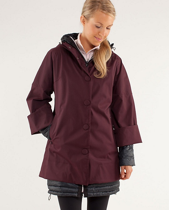 3x A Lady Jacket - Lululemon Winter 2012 - Goosedown coat with water-resistant outer layer