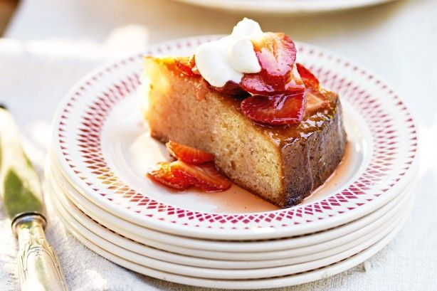 Κέικ+αμυγδάλου+με+φράουλες+Amaretto