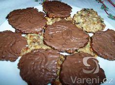 Marokánky ze smetany se spoustou ovoce a přelité čokoládou