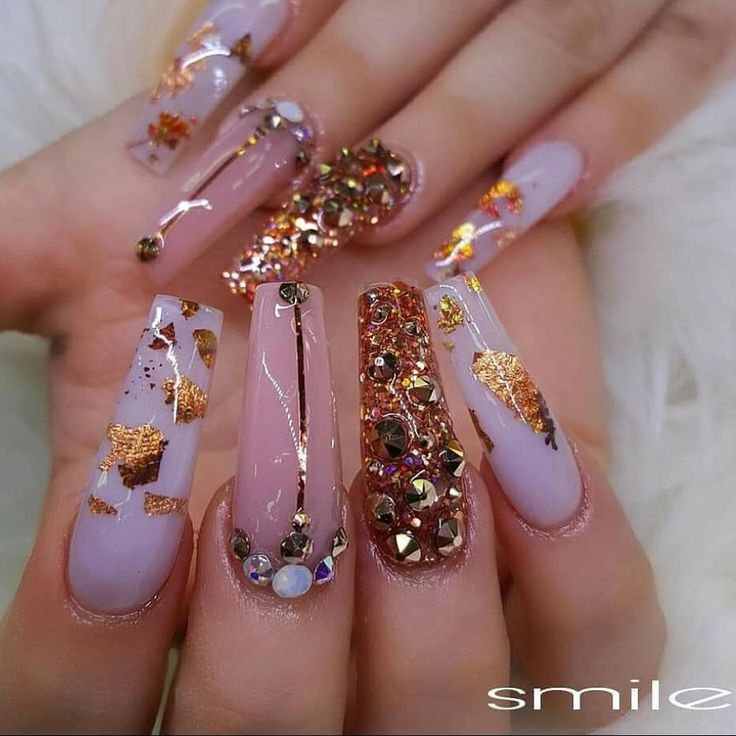 "2,743 Likes, 14 Comments - Alex Trương (Team-brother) (@alextruong_nails) on Instagram: ""Custom nails design @smilesnails @jasnails_secret @christine__nails#Jasnails #christmas #alexteam…"""