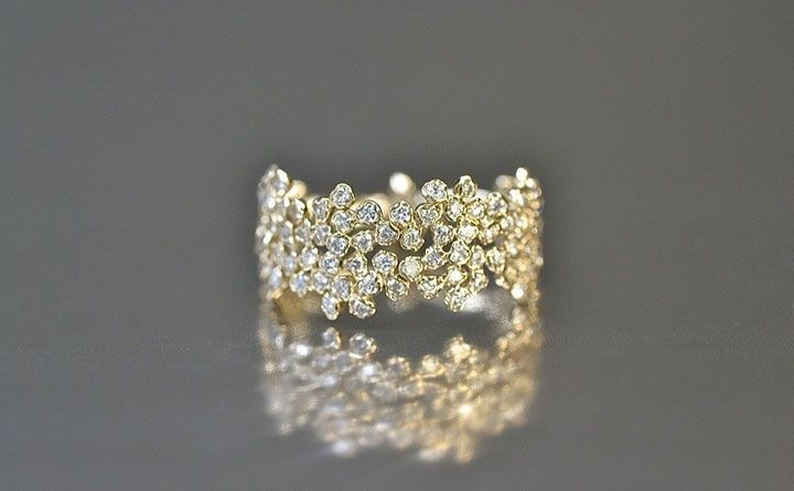 Wide Diamond Cluster Ring ~ we ❤ this! moncherfibridals.com