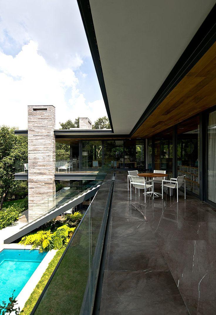"""Esta residencia fue """"hecha a mano"""" con pasión y un gran conocimiento de la arquitectura mexicana contemporánea."""