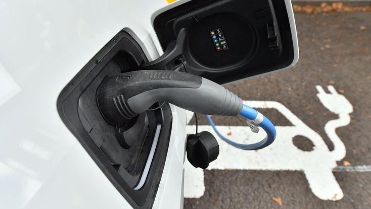 Kaufprämie Elektroautos: Ohne Steckdose kein E-Auto |ZEIT ONLINE