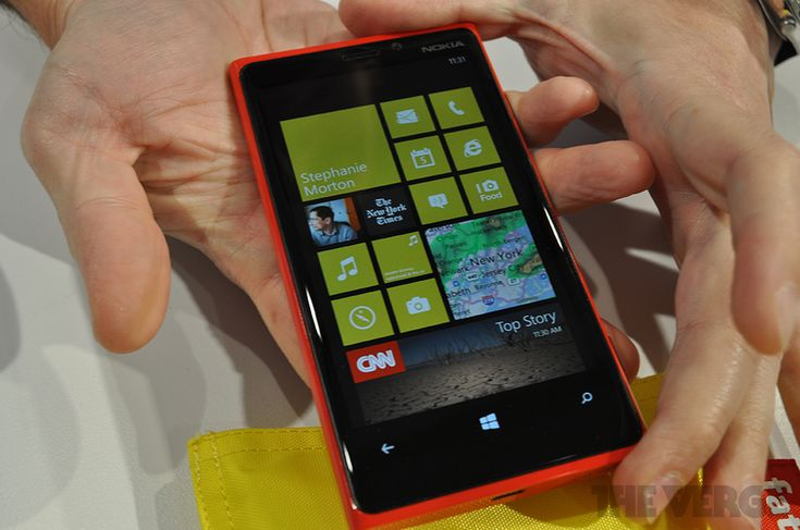 This! -------> Gallery: Nokia Lumia 920 hands-on photos | The Verge