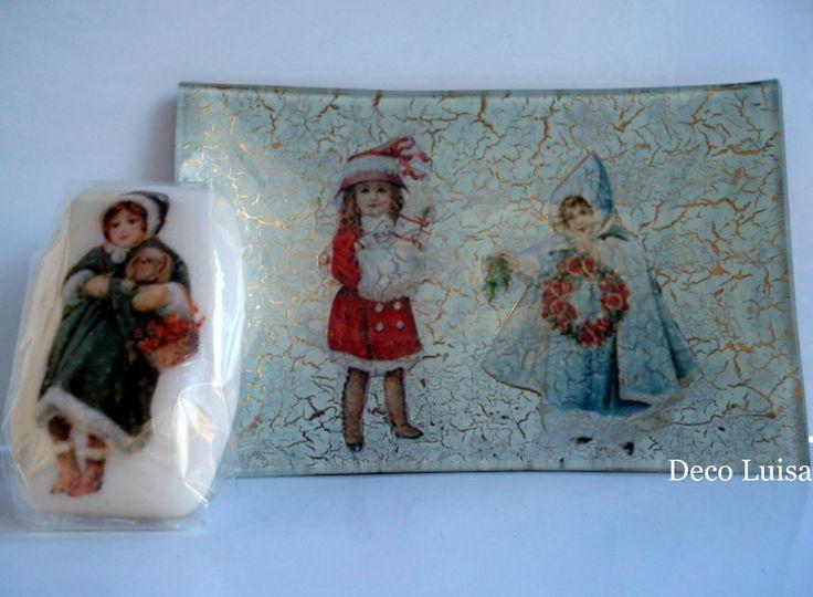 Bandeja de 11x 16 cm. y jabón a juego de 100 gr. decorados con decoupage.