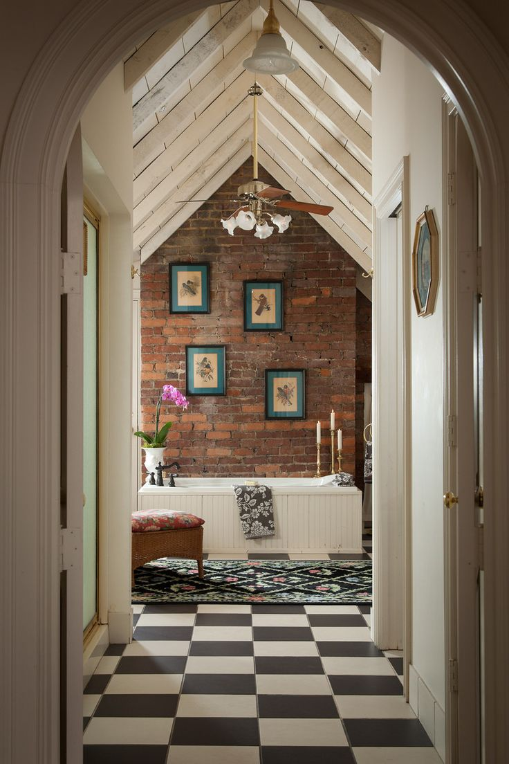 Woodhaven Rooms Attic 10 X3 Derby Schmerby! Go to Louisville for the Inn at Woodhaven!!