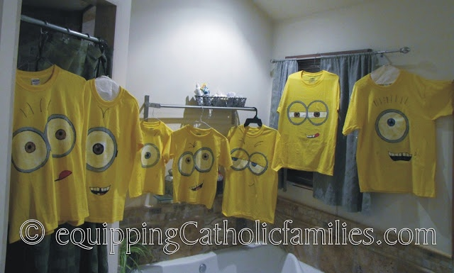 DIY Minion shirts  Would make great favors with all the minions running around at the party!