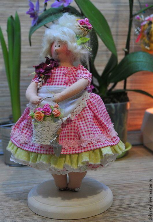 Толстушка-садовница - толстушка,кухня,тильда,тильда купальщица,кружевной воротничок