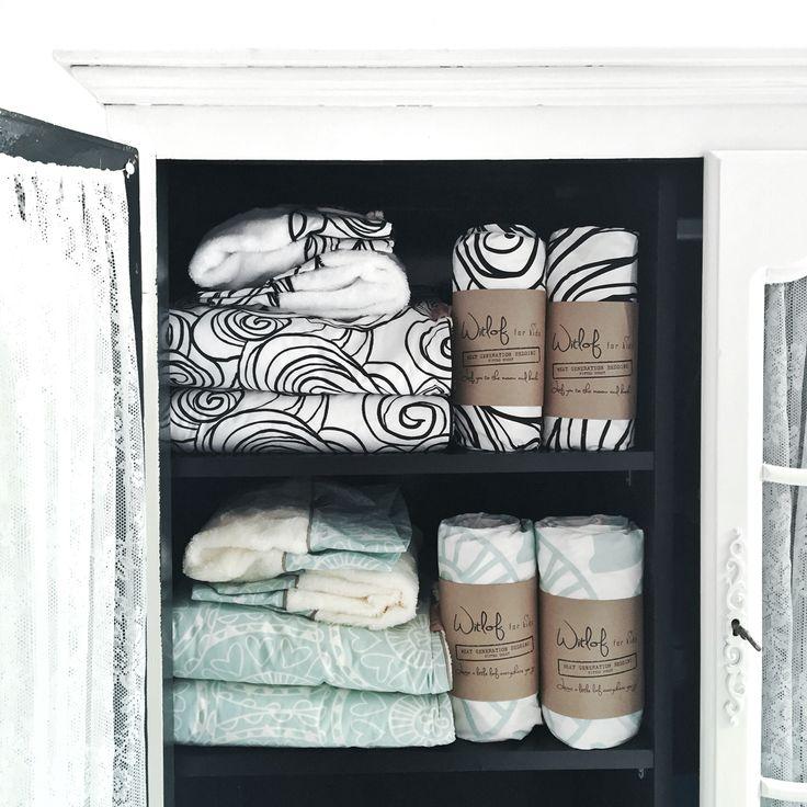 Met het beddengoed van @witlofforkids heb je nooit meer last van losgetrapte dekentjes! Niet alleen super handig, het is ook nog eens ontzettend mooi!! ♡♡♡ www.woodkidz.nl