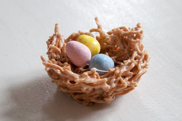 I whipped up these little easter egg nests a few days ago and they were so easy and turned out so cute--I had to share! I used the basic rice krispy treat recipe, but instead of rice krispies I used rice noodles. For ingredients you'll need rice noodles, marshmallows, butter, non-stick spray {for th…