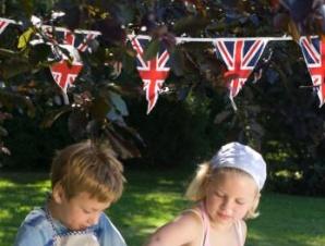Union Jack Bunting by Win Green (5m) £12 http://www.vintagestylegifts.co.uk/garden/union-jack-bunting-by-win-green/