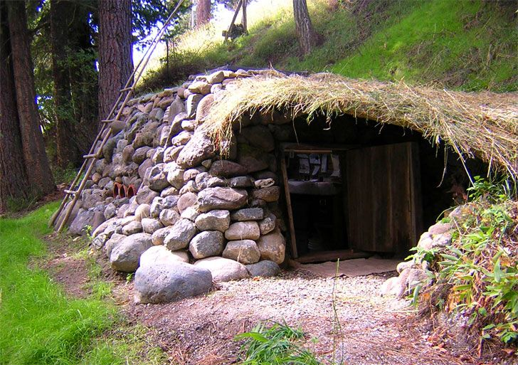 Dan Price's cute little hobbit home cost just $100 to build | Inhabitat - Sustainable Design Innovation, Eco Architecture, Green Building