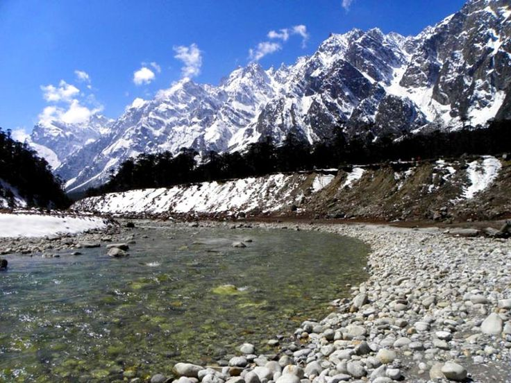 The capital city of Sikkim, Gangtok- the most attractive Himalayan kaleidoscope is one of the great attractions. Moreover, the Nathula pass, Pelling, etc. are made with the beauties everlasting. So, enjoy the nature sitting in the lap of Sikkim with the great Sikkim tour packages.