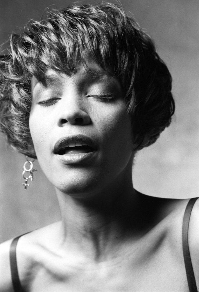 whitney black white. Whitney Houston Death News \u0026 No Beyonce Coldplay Union | Houston, Bobbi Kristina Brown And Guinness Black White