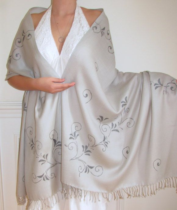 Hand Crafted Cashmere Pashminas - customize at no cost. Best sellers for wedding & bridesmaids shawls and seasonal wraps.