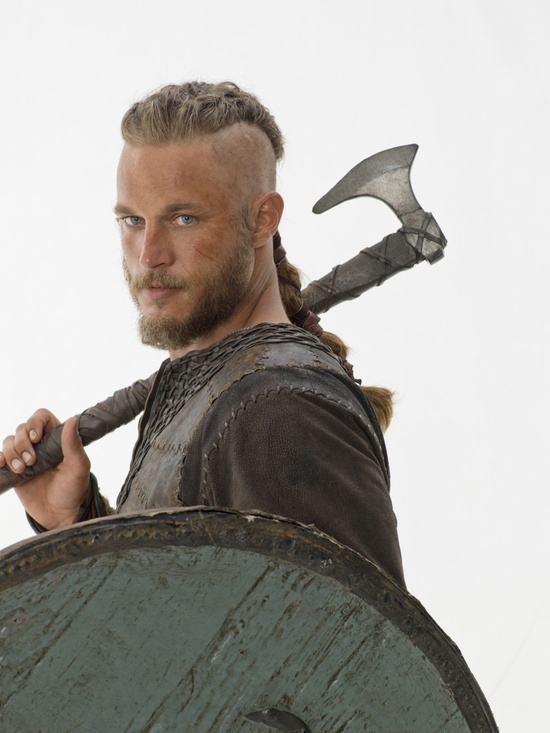 Vikings 2013 TV show - Ragnar shield, ax.