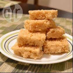 Honey Rice Bubble Slice: 130g butter 1/2 cup (110g) sugar 2 tablespoons honey 1 teaspoon vanilla 5 cups rice bubbles