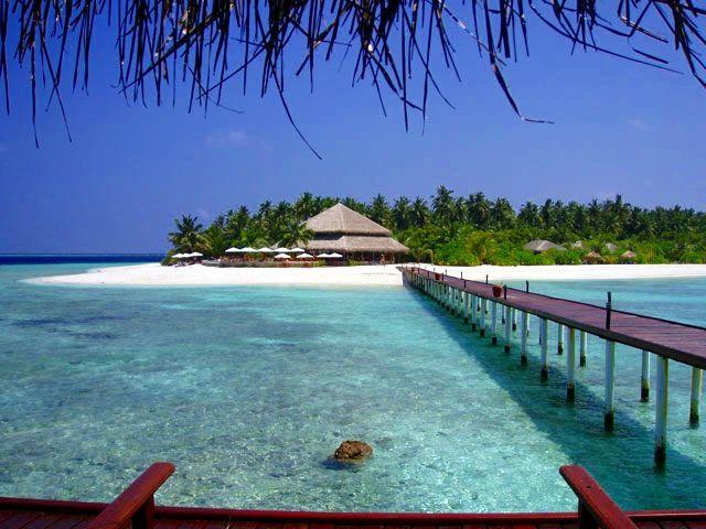 Filitheyo Island -- Sunset Bar