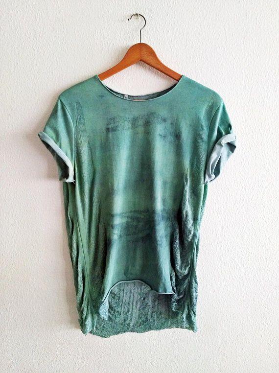 Mira este artículo en mi tienda de Etsy: https://www.etsy.com/es/listing/608080653/shredded-hand-dyed-top-for-women