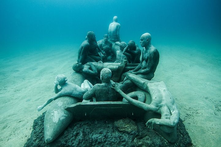 Hyperrealistic-Human-Sculptures-Submerged-in-Europe's-First-Underwater-Art-Museum-2