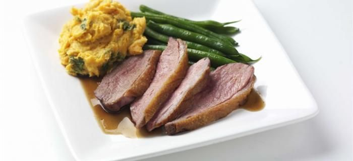 Duck breast with sweet potato mash and green beans