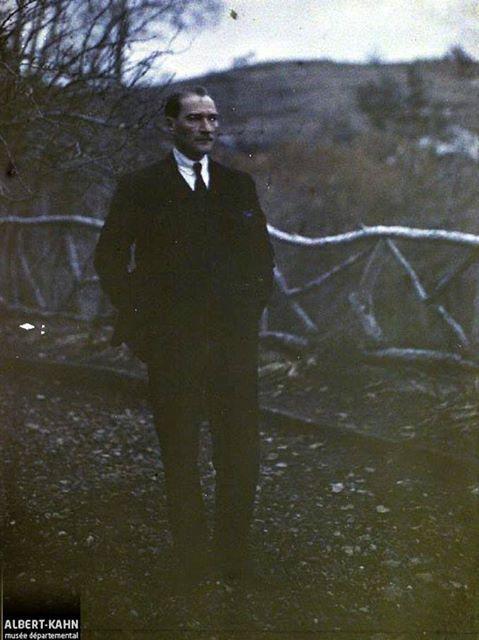 Atatürk Çankaya Köşkünün Bahçesinde Aralık 1922 Ankara