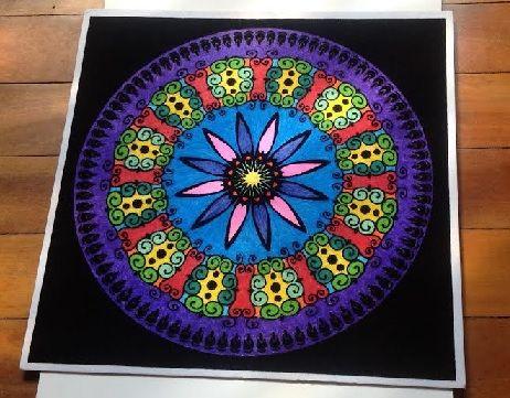 Mándala para la tranquilidad y la creatividad pintado con rotuladores