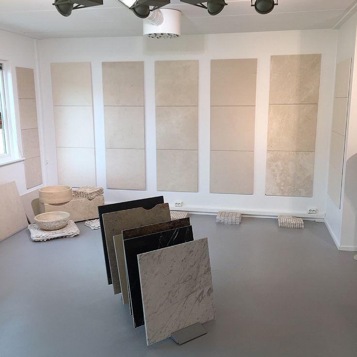Fliser   inspirasjon   naturstein   kalkstein   gulv   gang   kjøkken   baderom   stue  -  Tiles   inspiration   ideas   natural stone   limestone   floor   entrance   kitchen   bathroom   living room